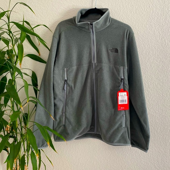 NWT Men's North Face Alpine Fleece in size Large